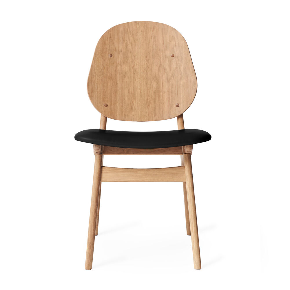 Noble dining chair in oak and seat in black leather