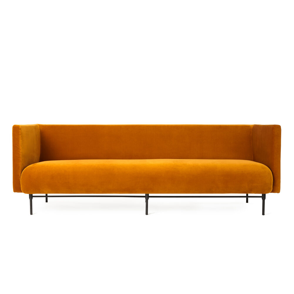 Galore sofa, 3 seater in amber velvet.
