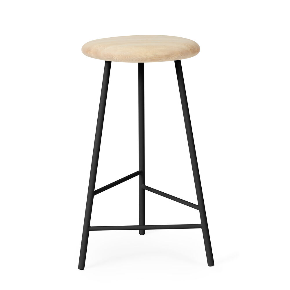 Pebble bar stool in ash and black, 65 cm.