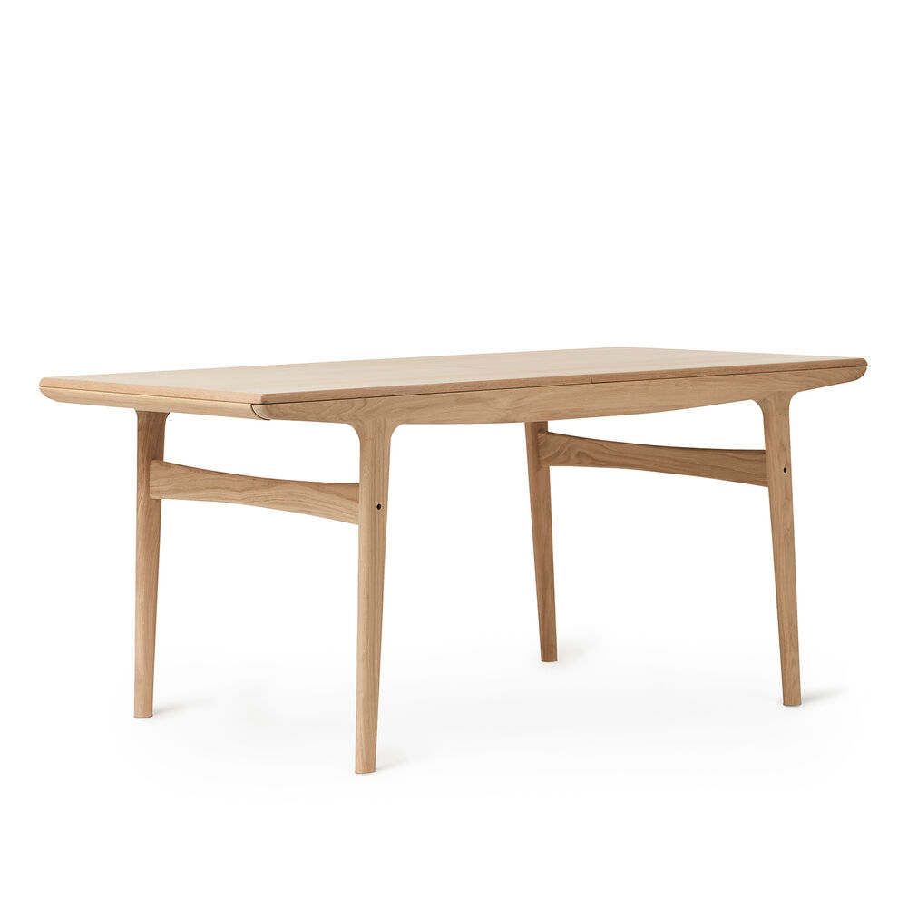 Evermore dining table in oiled oak, 160 cm.