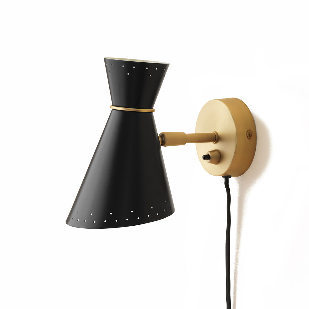 Bloom wall lamp in black