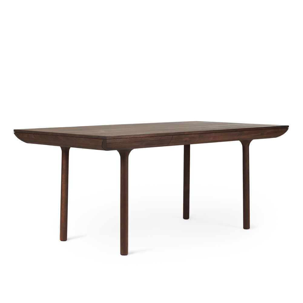 Rúna dining table in oiled walnut