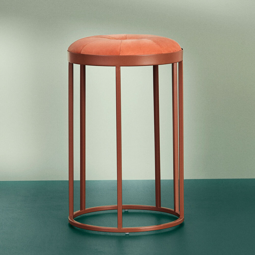 Daisy stool in rusty rose colour