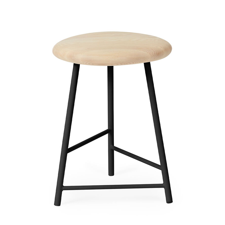 Pebble stool in ash and black, 47 cm.