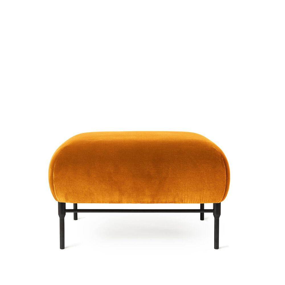 Galore pouf in amber velvet.