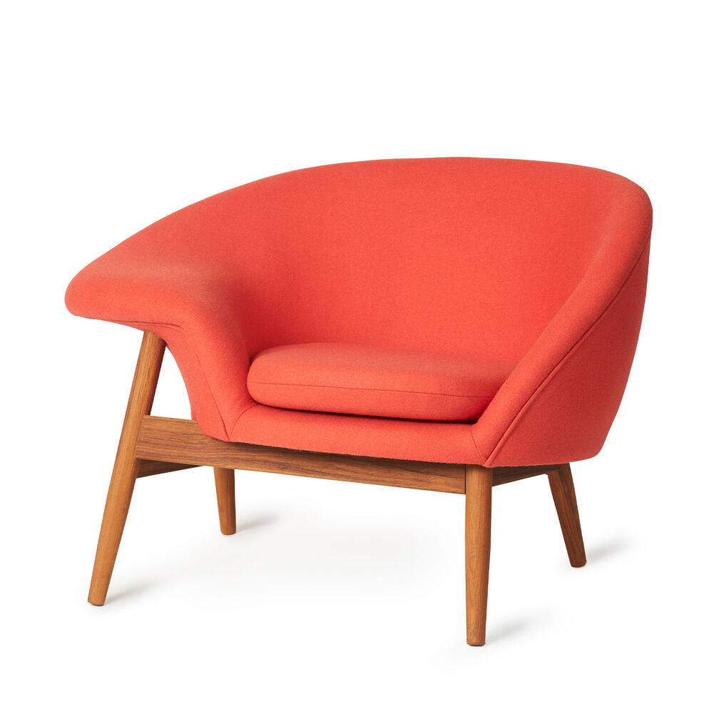 Fried Egg chair in apple red colour.