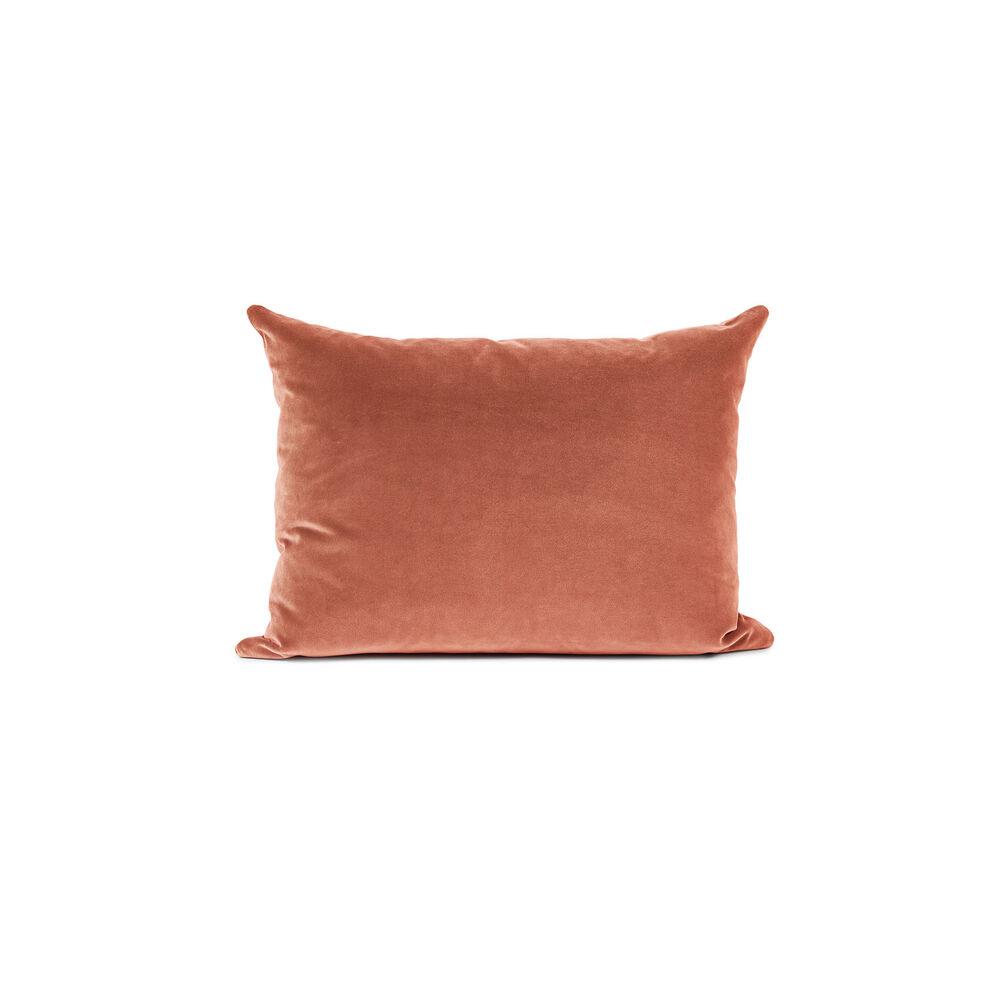 Galore sofa cushion in rose velvet.