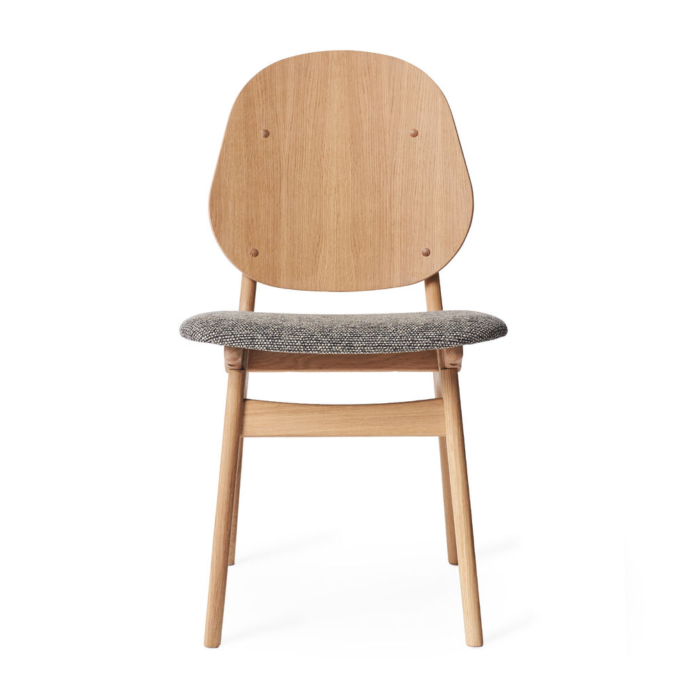 Noble dining chair in oak and seat in graphic sprinkles textile