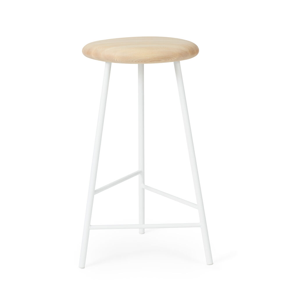 Pebble bar stool in ash and white, 65 cm.