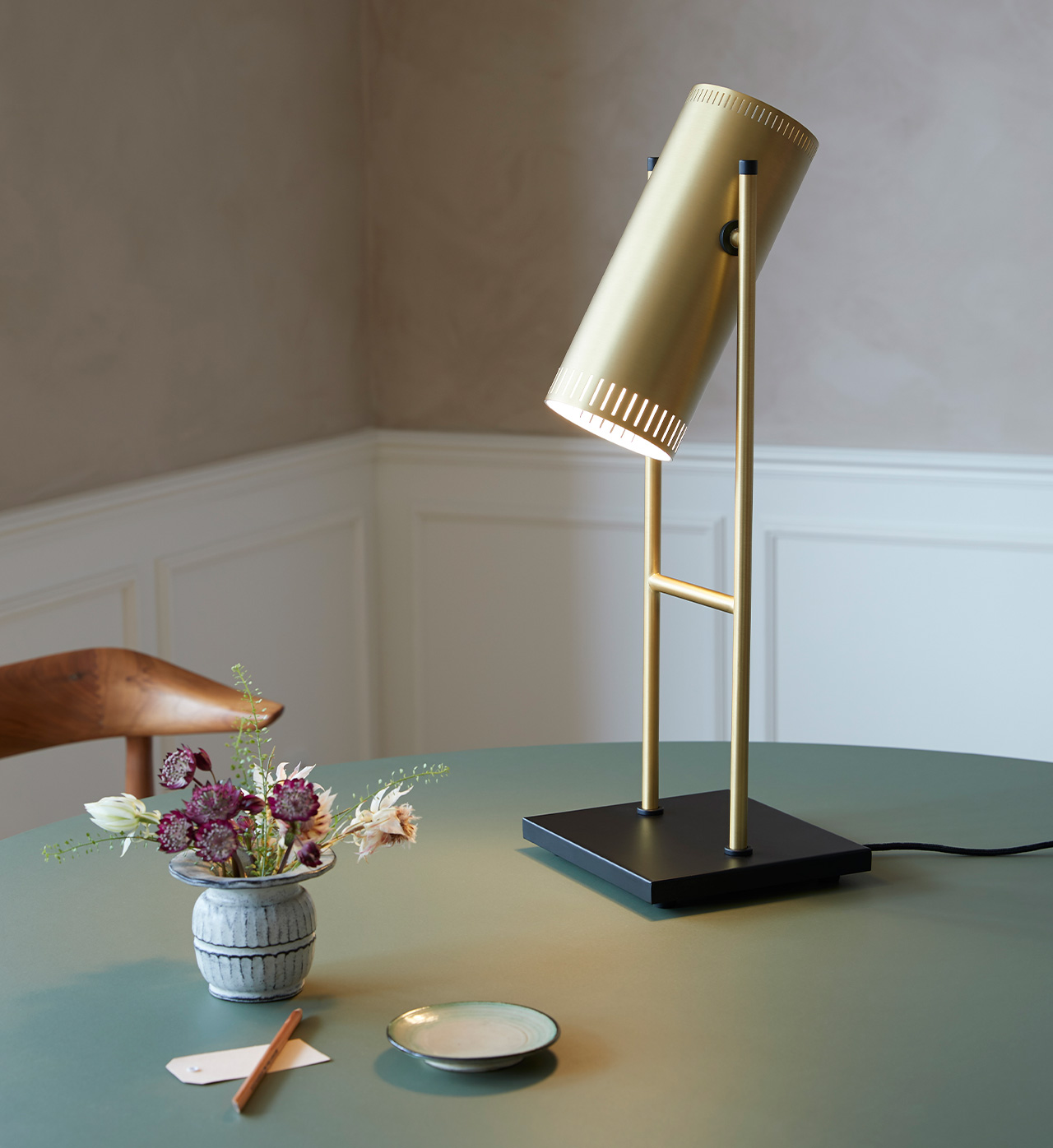 Trombone table lamp