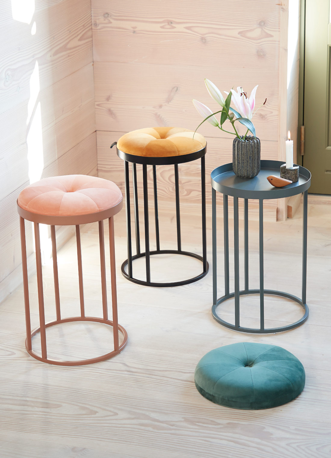 Daisy stool with two functionalities