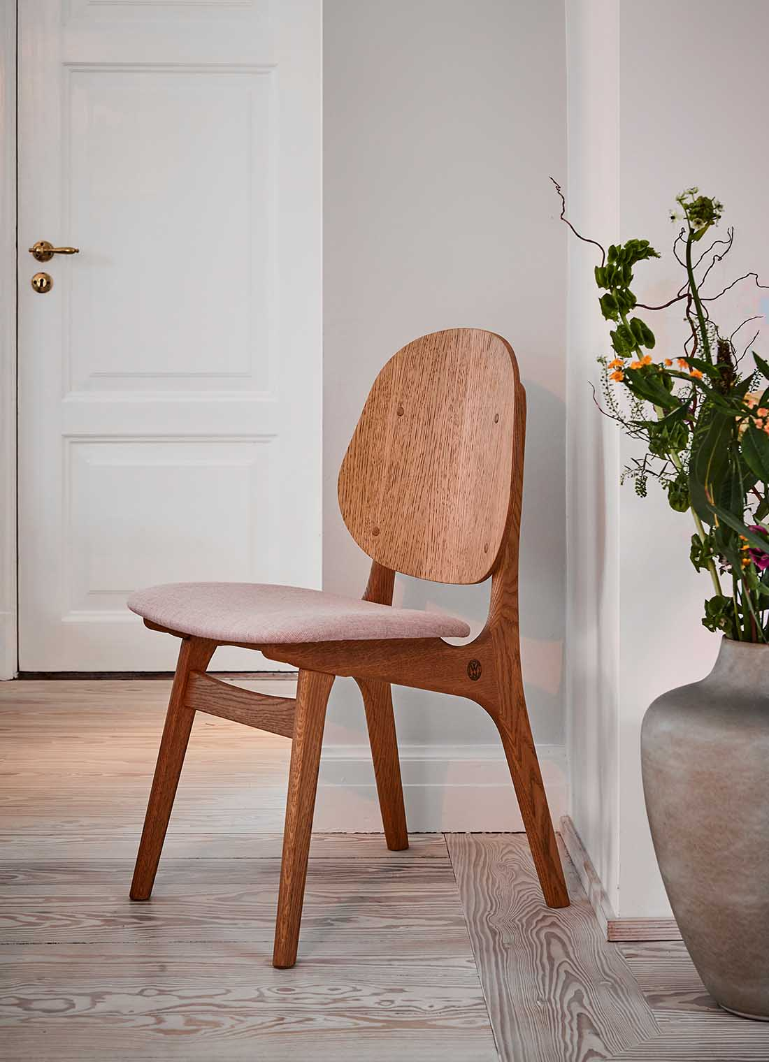 Noble dining chair in teak