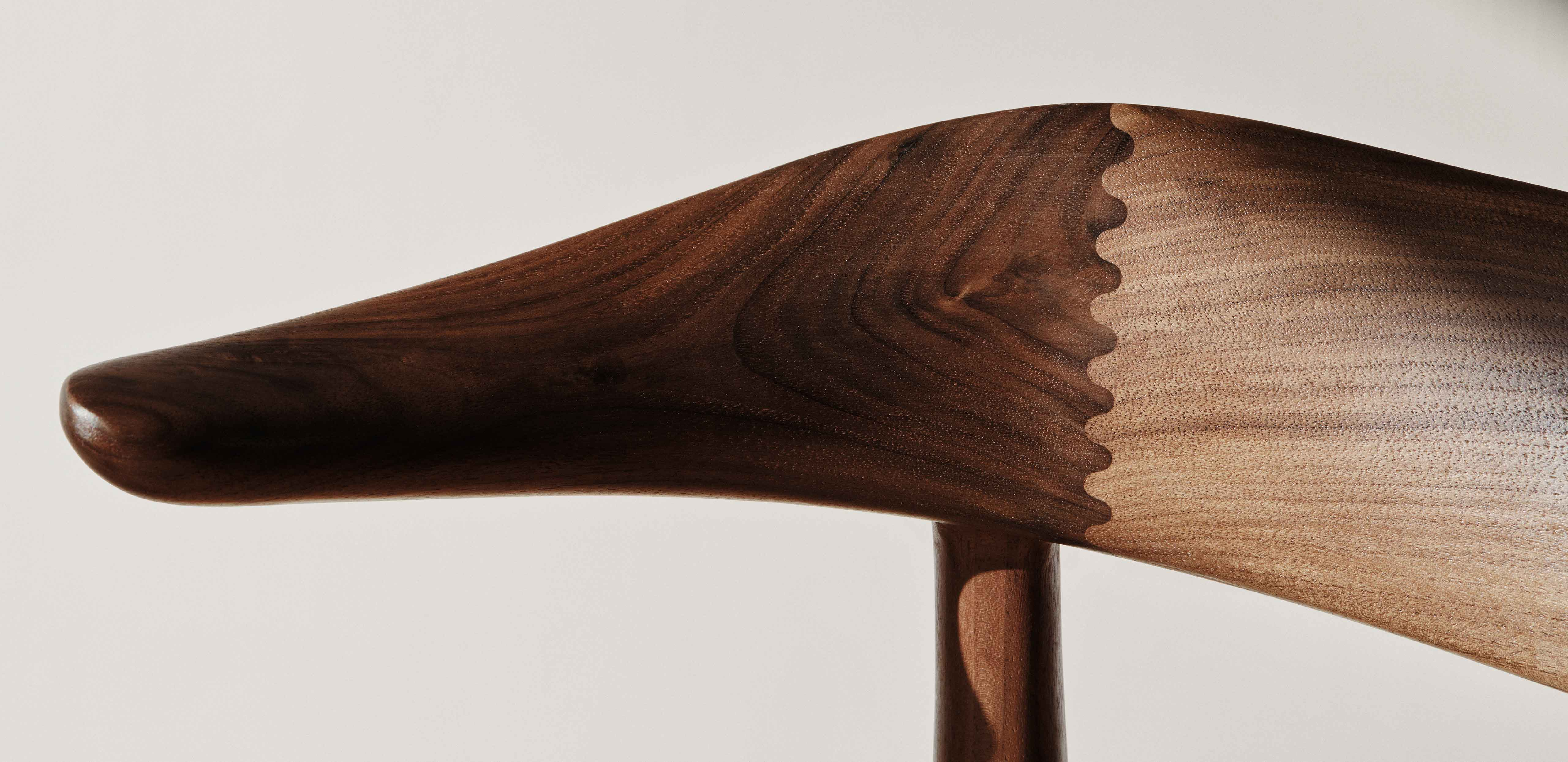 Cow Horn dining chair details