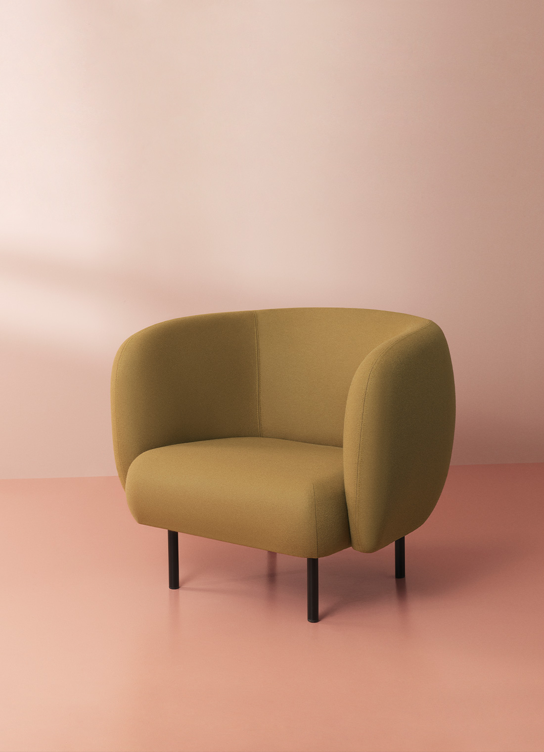 Cape lounge chair in olive colour